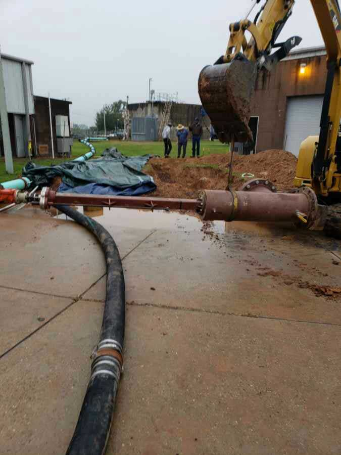 "Travel to the 20"" Linestop Setup on Ductile Iron Pipe on a Gravity Sewage Main with a 14"" By Pass in Buckie, Louisiana"