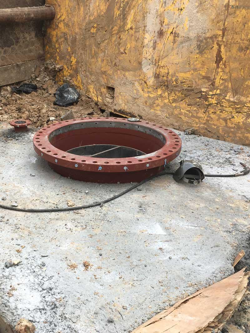 "72"" Linestop Hottap Ready On Steel Water Pipe Houston, Texas."