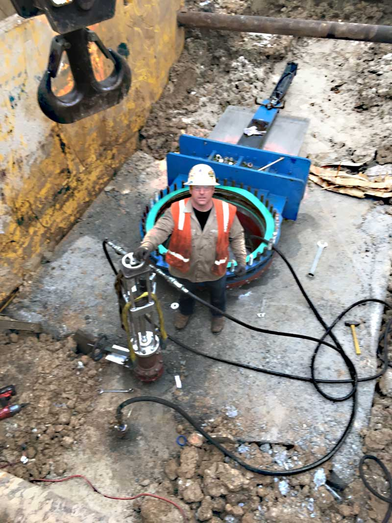 "72"" Linestop Hottap Blow Off Equalizer Tap On Steel Water Pipe Houston, Texas."