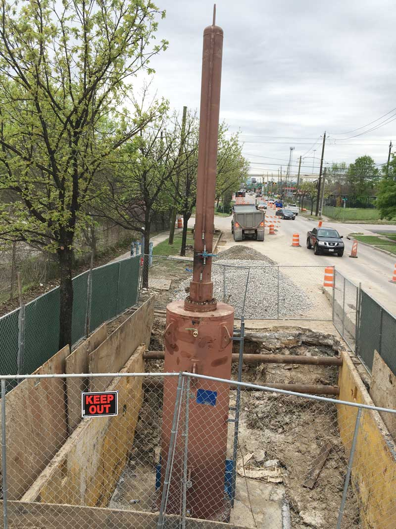 """72"""" Linestop with 100% Shutdown on a Steel Water Main in Houston, Texas."""