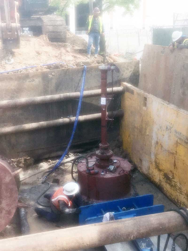 Hot Tapping & Retaining Coupon on a Steel Water Pipeline Houston, Texas.
