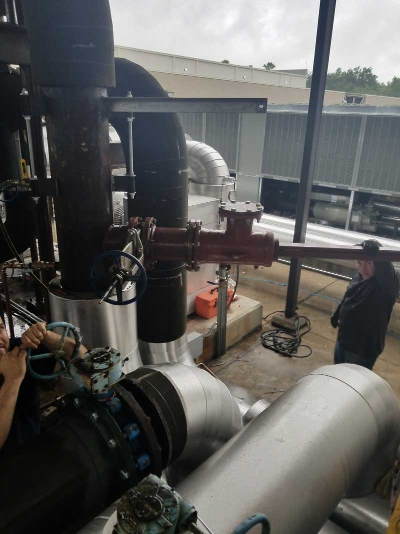 """14"""" Linestop Side View on Chilled Water Pipe in Tampa, FL."""