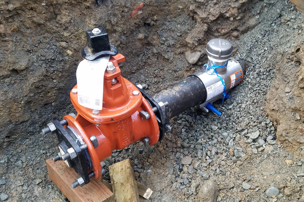 10inch Linestop on DIP-CI-PVC Water Main below ground under 100 psi Washington with Completion Plug